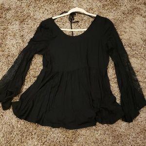 Pretty black top
